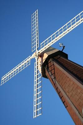 風車と青空♪