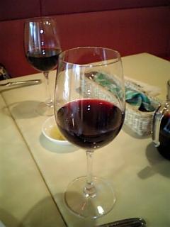 お昼に飲んだ赤ワイン