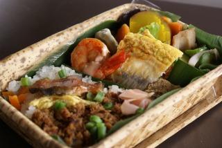 焼き鯖そぼろ寿司弁当 02