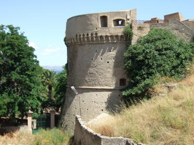 crotone castello2