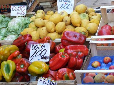 crotone market2