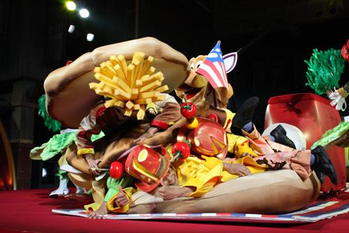 ダンサーさん テーブル ハンバーガー