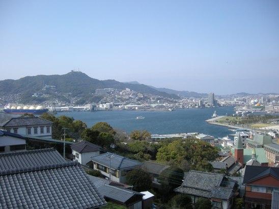 港を中心に栄える長崎市