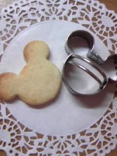 酵母チーズクッキー ミッキーレースペーパー