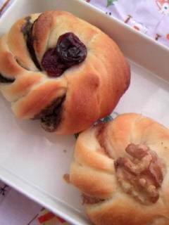 メッシュローラーパンと同じ生地で、黒胡麻とマロン巻き巻き