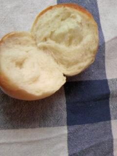 牛乳パン 丸パン断面