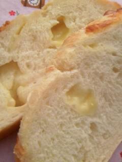 チーズカンパーニュ 断面