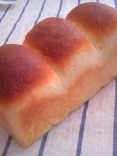 ホシノ酵母 酵母とお菓子の本から イギリスパン 横に全体