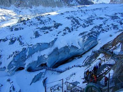 氷河の洞窟入口