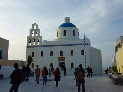 イアの教会とスクエア