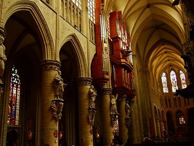 聖ミッシェル・エ・ギュデュル大聖堂内部
