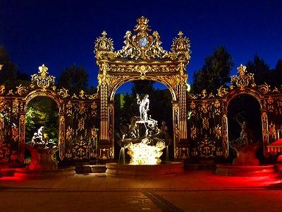 スタニスラス広場の門