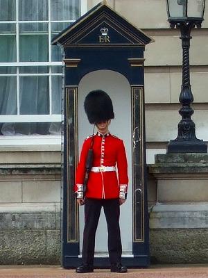 バッキンガム宮殿衛兵