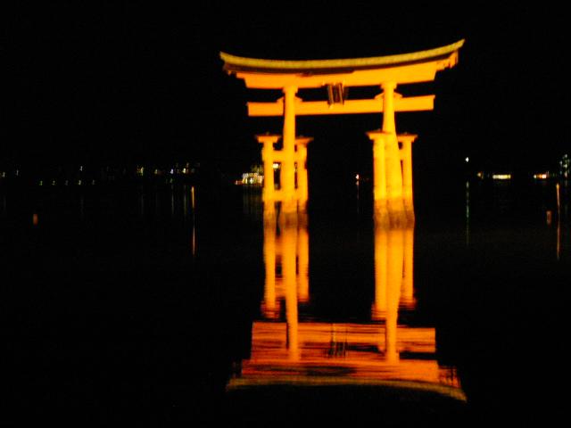 厳島神社大鳥居ライトアップ
