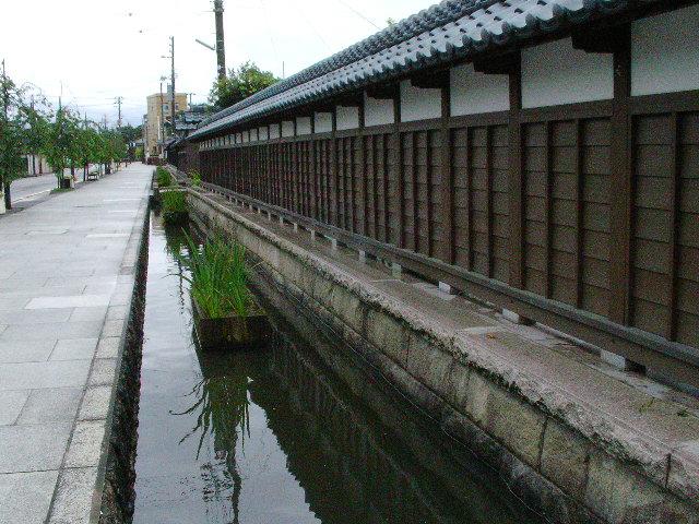福勝寺前の通り