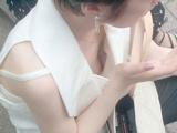 胸チラ 13
