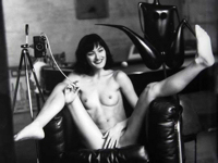 エロティックなアマチュア女性モデルのポートレート写真