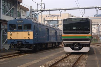 クモヤ143とE231S-02編成