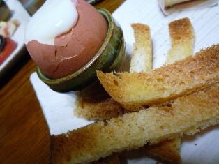 080704 温泉卵とフランスパン
