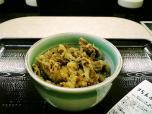 神戸らんぷ亭牛丼ミニ、グルメ缶自販機006