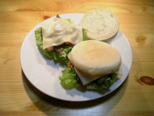 チーズ豚ばら焼肉マフィン005