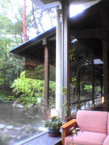 下部ホテル ロビーからの風景2