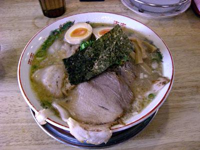 新味豚骨醤油麺