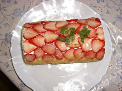 イチゴのロールケーキ2