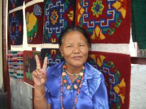 チベット村のおばあちゃん