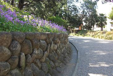 岩崎邸入口へのアプローチ