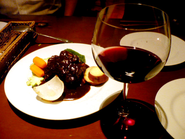 牛テールシチュー&グラスワイン