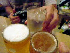 ビールと水でカンパイ