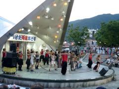 踊りステージ