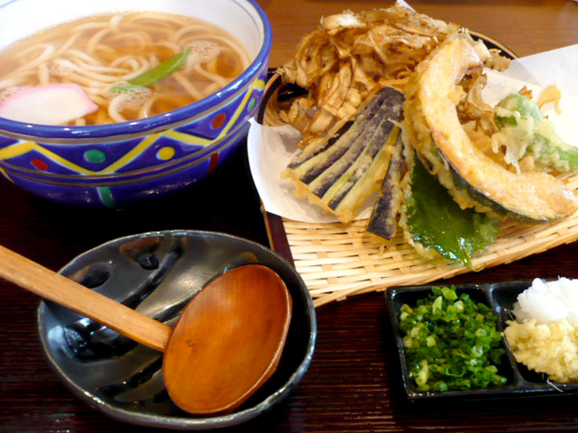 野菜天ぷらうどん