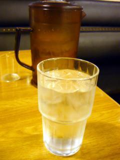 大きいグラスとピッチャー