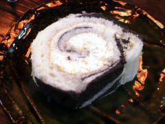 牧場のモーモー手巻きロールケーキ