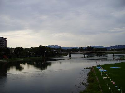 090803夕方川