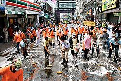 パタヤ ウォーキングストリート清掃の様子