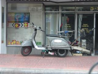 中華街 べスパ03