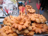 パンでできた灯篭