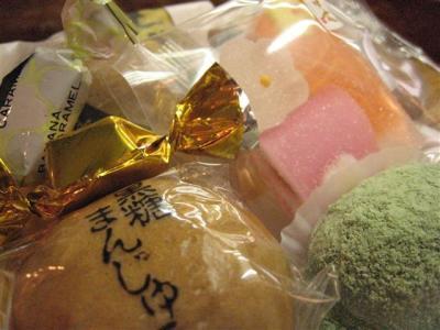 色々なお菓子が!