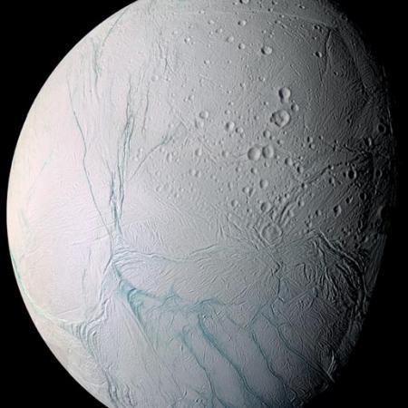 土星の衛星・エンセラダスに生命存在か…NASA2