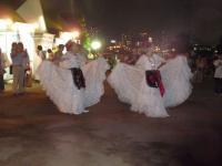 ガンダムの地で踊る民