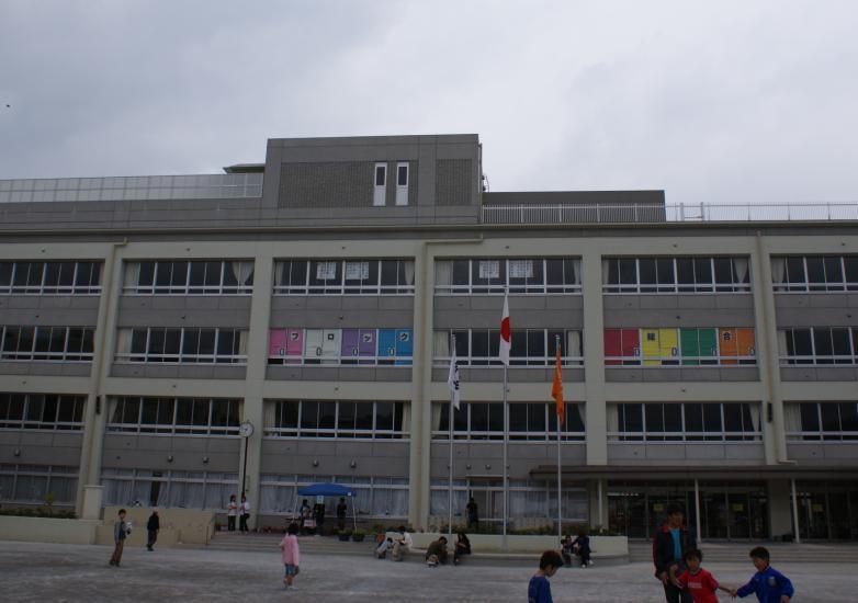 近代的な校舎