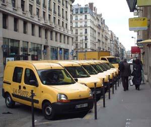 パリのカングー
