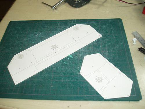 胴体用パーツ製作中