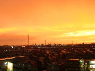 激しい雷雨の夕立の後に...