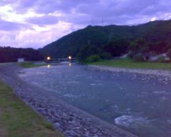夕暮れの天竜川
