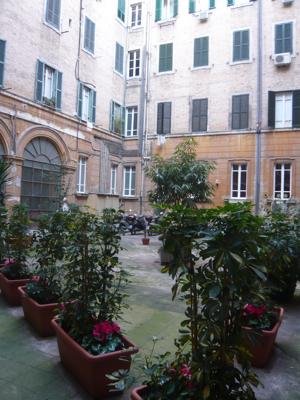 ローマホテル中庭