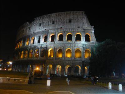 コロッセオ 夜景